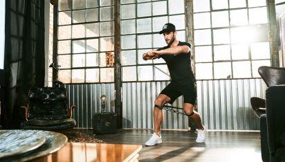 Fitnessbandoefeningen – Krachtige work-out van 20 minuten met fitnessbanden thuis